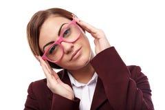 Junger Lehrer mit Gläsern stockfotos