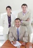 Junger Manager und sein Team Stockfotos