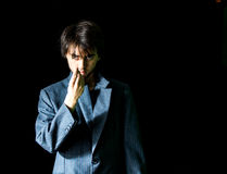 Junger Mann in der Anzugs-Jacke - gelassen Lizenzfreies Stockbild
