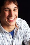 Junger Mann in der glücklichen Stimmung Lizenzfreie Stockfotografie