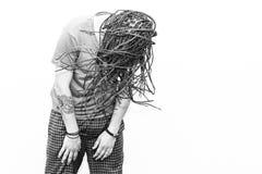 Junger Mann des umsponnenen Haares stockfotografie
