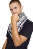 Junger Mann in einem palästinensischen Schal Lizenzfreie Stockfotos