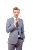 Junger Mann in einer Bindung mit Gläsern Lizenzfreie Stockbilder