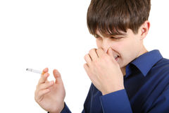 Junger Mann hasst rauchen Lizenzfreies Stockbild