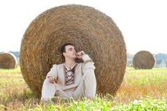 Junger Mann im nationalen belorussischen Kostüm Lizenzfreie Stockbilder