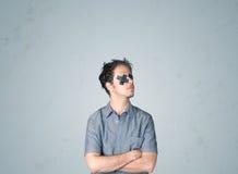 Junger Mann mit geklebtem Auge Lizenzfreie Stockfotografie