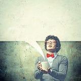 Junger Mann mit leeren Rahmen für Text Stockfotos