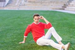 Junger Mann-städtische zufällige Mode in New York Lizenzfreie Stockbilder