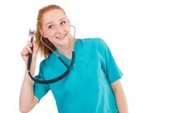 Junger medizinischer Auszubildender mit Stethoskop Lizenzfreie Stockfotos