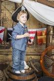 Junger Pirat lizenzfreie stockbilder