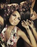 Junger schöner Brunette lizenzfreie stockbilder