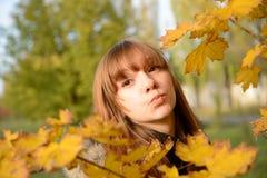 Junger, schöner Mädchengedanke Lizenzfreie Stockbilder