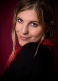 Junger schöner weiblicher Modellabschluß oben, werfend in der Schönheitsart auf Lizenzfreie Stockfotografie