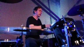 Junger Schlagzeuger stock footage
