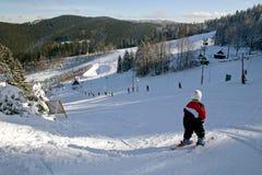 Junger Skifahrer Stockfotos