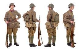 Junger sowjetischer Soldat mit SVT-Gewehr, Front, Profil, hinter Stockfotos