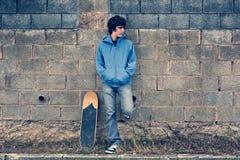 Junger städtischer Junge Lizenzfreie Stockfotos
