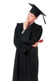 Junger Staffelungs-Mann, der Diplom hält Stockfoto