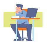 Junger verwirrter Angestellter bei Tisch mit Computer Stockbilder