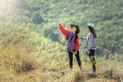 Junger weiblicher Tourist zwei Stockfotografie