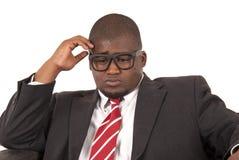 Junges Afroamerikanermodell im grauen Anzugrot gestreift  Lizenzfreie Stockbilder