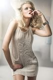 Junges blondes Stockbild