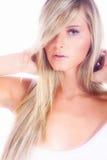 Junges blondes Frauenportrait Lizenzfreie Stockfotos