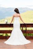 Junges blondes im Hochzeitskleid Stockbild