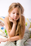 Junges deprimiertes Kind Lizenzfreie Stockfotografie