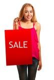 Junges erwachsenes Mädchen des Porträts mit roter Tasche Stockbild
