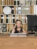 Junges Geschäfts-Mädchen stockfoto
