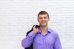 Junges Geschäftsmann-Lächeln, Geschäftsmann Wear Elegant Violet Suit Stockbild