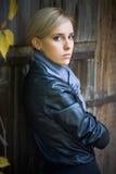 Junges hübsches Mädchen lizenzfreie stockfotografie