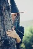 Junges Hexengehen im Freien Lizenzfreie Stockbilder