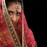 Junges indisches Mädchen des Geheimnisses Stockfoto