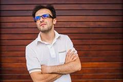 Junges kaukasisches Mannporträt Lizenzfreies Stockbild