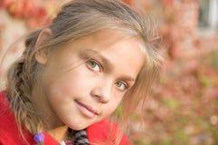 Junges lächelndes Mädchen Lizenzfreie Stockbilder