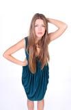 Junges langes-haire Mädchen im Kleid Stockfotografie