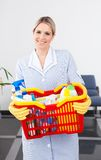 Junges Mädchen With Cleaning Equipment Stockbild