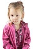Junges Mädchen, das im Studio aufwirft Lizenzfreie Stockfotografie