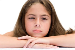Junges Mädchen, das müde schaut Stockfotos