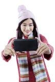 Junges Mädchen, das Selbstfoto macht Lizenzfreie Stockfotos