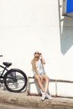 Junges Mädchen in den Sonnenbrillen Lizenzfreies Stockbild