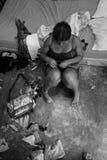Junges Mädchen in der Verwirrung lizenzfreies stockfoto