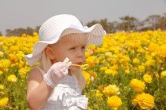 Junges Mädchen-durchbrennenluftblasen Lizenzfreies Stockbild