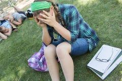 Junges Mädchen frustriert stockbild