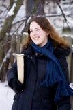 Junges Mädchen im Winter Stockfotografie