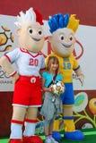 Junges Mädchen mit Euro 2012 Talismane Lizenzfreies Stockbild