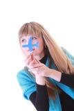 Junges Mädchen mit Flugzeugen in den Händen Lizenzfreie Stockfotografie