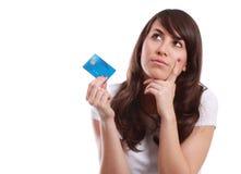 Junges Mädchen mit Kreditkarte lizenzfreie stockfotografie